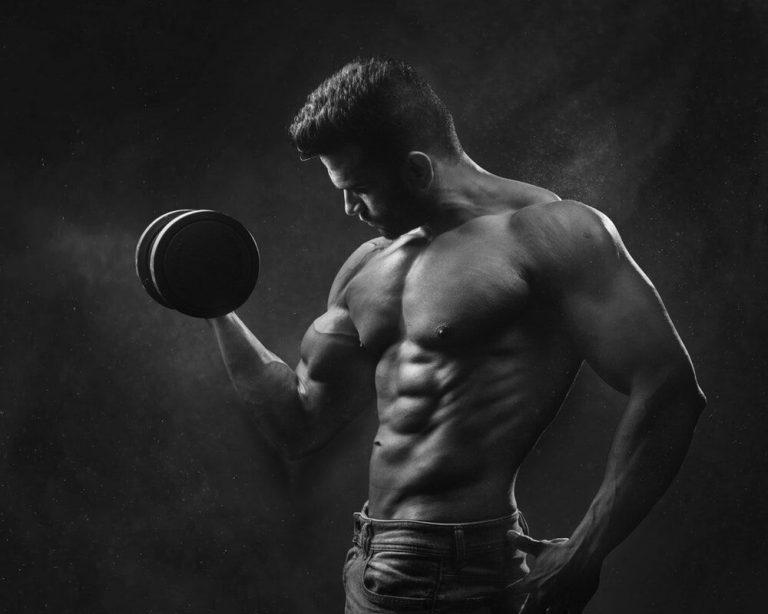l-glutamine man lifting